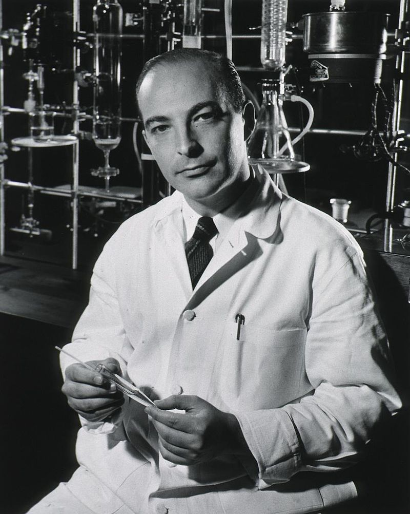 Arthur Kornberg. License: PD, courtesy of the National Library of Medicine